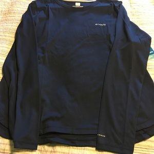 Woman's Columbia long sleeve shirt